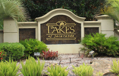Lake of Jacaranda welcome sign