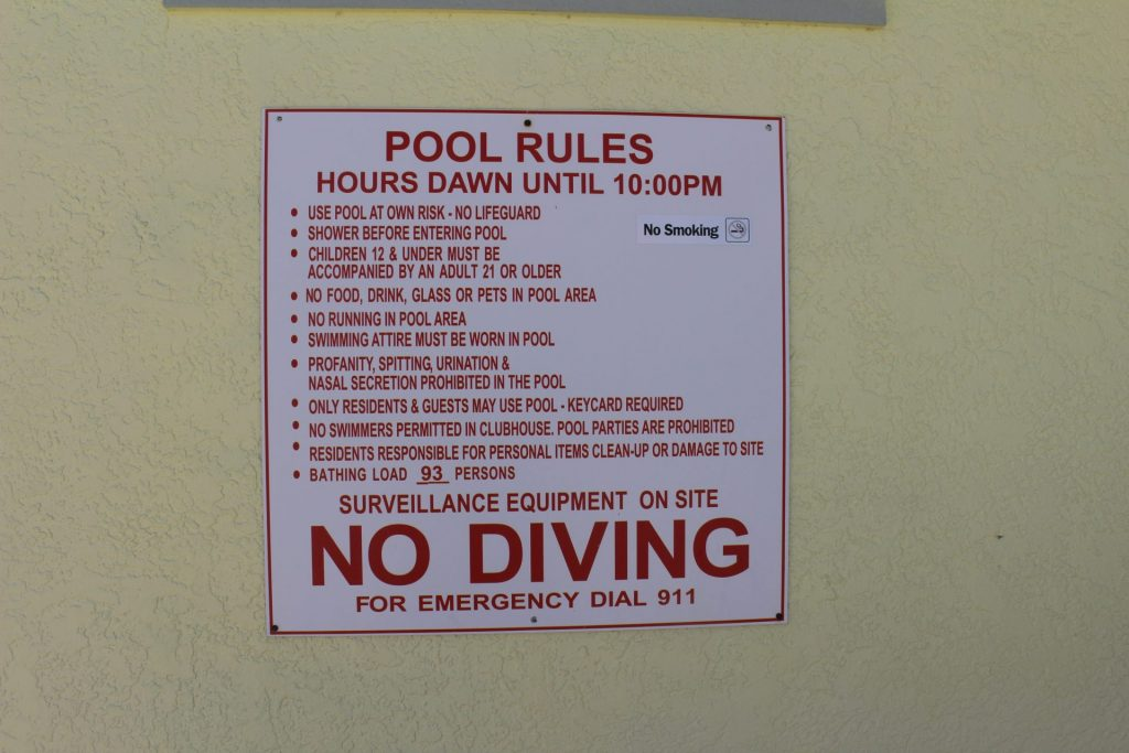 Pool rules and hours