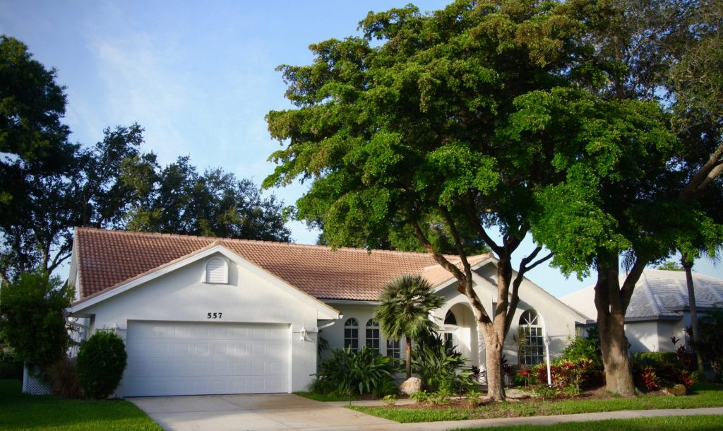 a beige colored home in Park Estates
